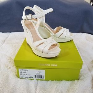 NWT Gianni Bini Sandals